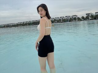 girl topless chat XiaoZhen
